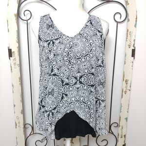 Sale! By & By sleeveless cutaway top large